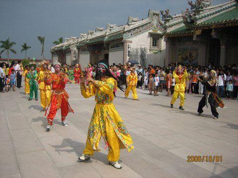 和平大峰旅游景區,潮陽文光公園廣場等重要景點舉行,豐富了潮陽人民