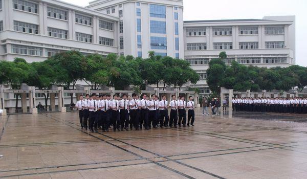 广东海洋大学航海学院组织学生队列会操